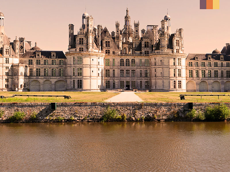 Chateaux Chambord on the banks of the Loire river